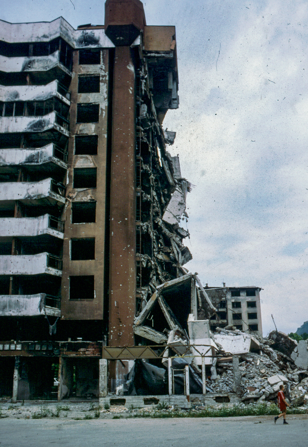Wounded Cityscapes – Chris Leslie